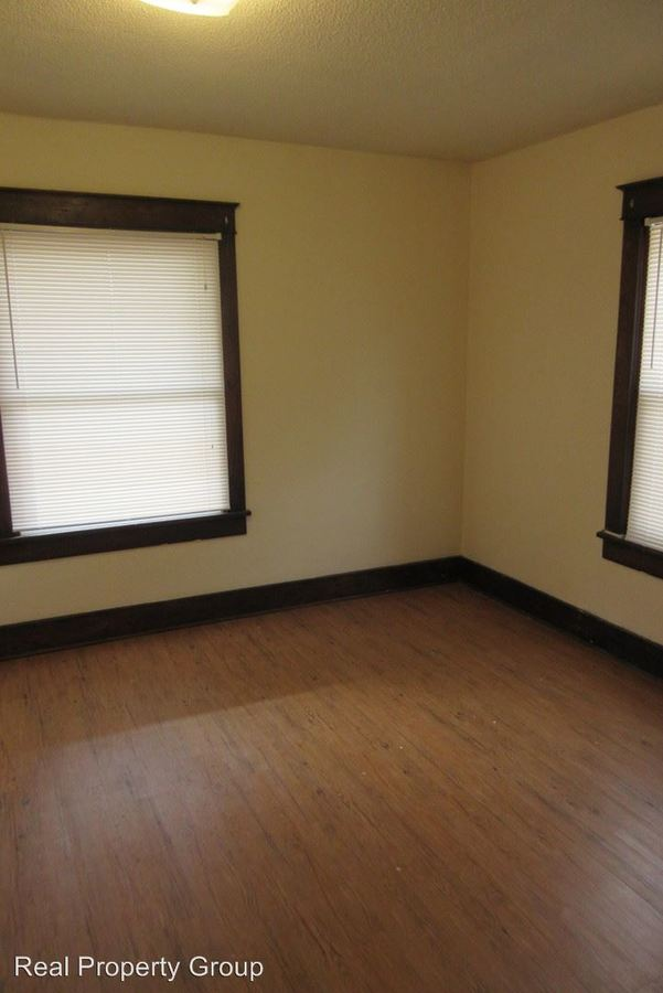3 Bedrooms 1 Bathroom Apartment for rent at 400 S Ninth St in Columbia, MO