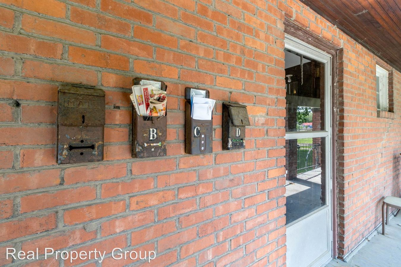 1 Bedroom 1 Bathroom Apartment for rent at 1317 Paris Road in Columbia, MO