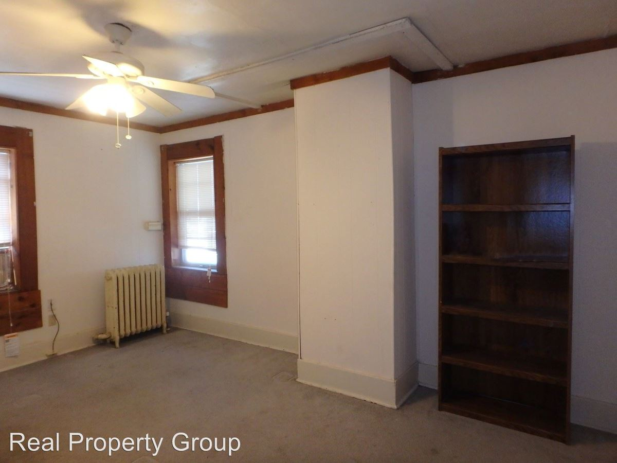 1 Bedroom 1 Bathroom Apartment for rent at 305 Waugh St in Columbia, MO