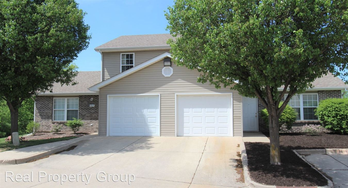 4 Bedrooms 3 Bathrooms Apartment for rent at 2601 Old Highway 63s in Columbia, MO