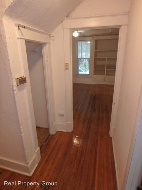 1 Bedroom 1 Bathroom Apartment for rent at 303 Waugh St in Columbia, MO