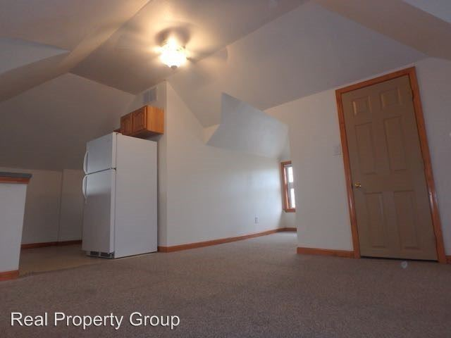 Studio 1 Bathroom Apartment for rent at 1113 Paquin St in Columbia, MO