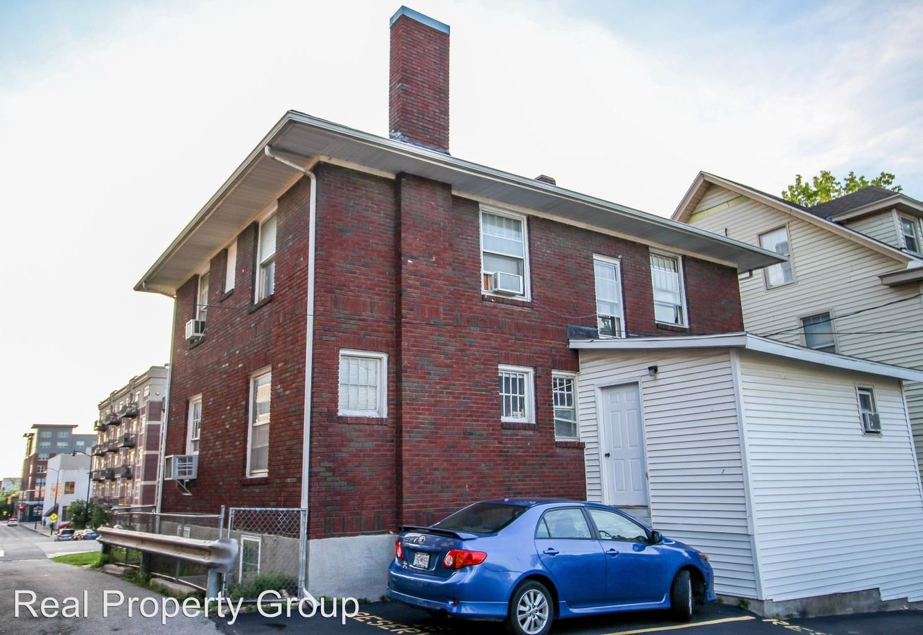 2 Bedrooms 1 Bathroom Apartment for rent at 300 Hitt St in Columbia, MO
