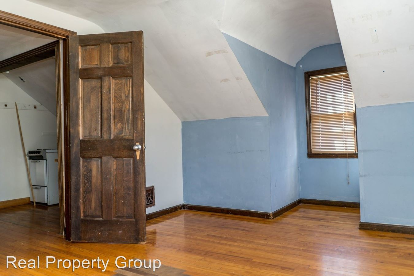 2 Bedrooms 1 Bathroom Apartment for rent at 310 N Ninth St in Columbia, MO
