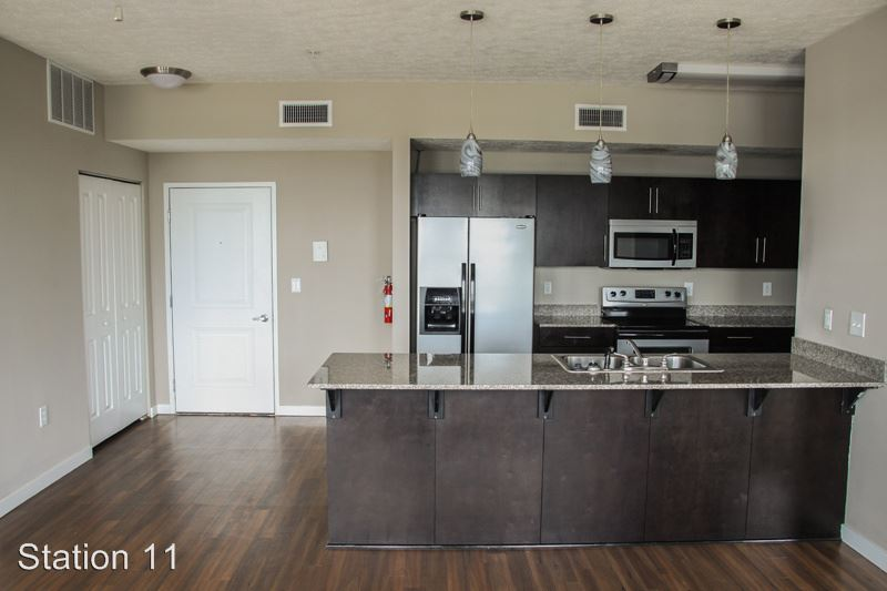 3 Bedrooms 3 Bathrooms Apartment for rent at 701 N. College Ave. in Bloomington, IN