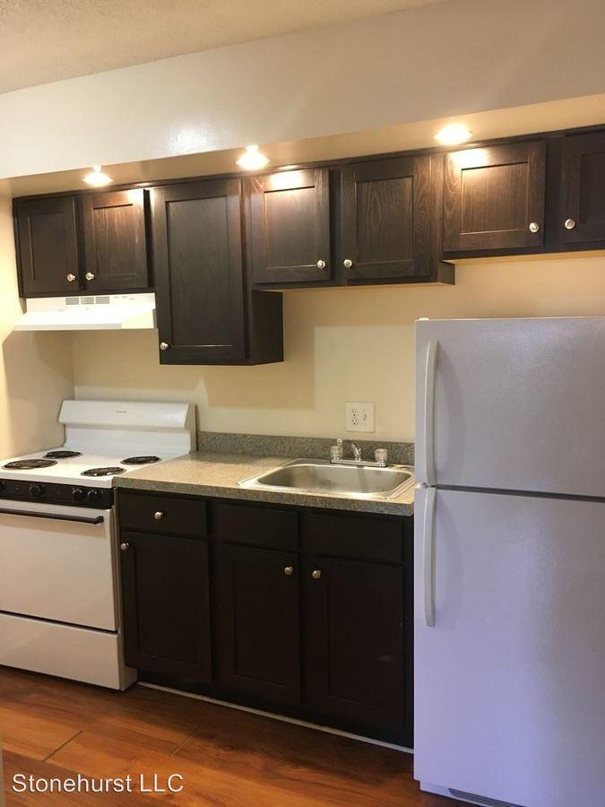 Studio 1 Bathroom Apartment for rent at 256 Lyndhurst Pl in Lexington, KY
