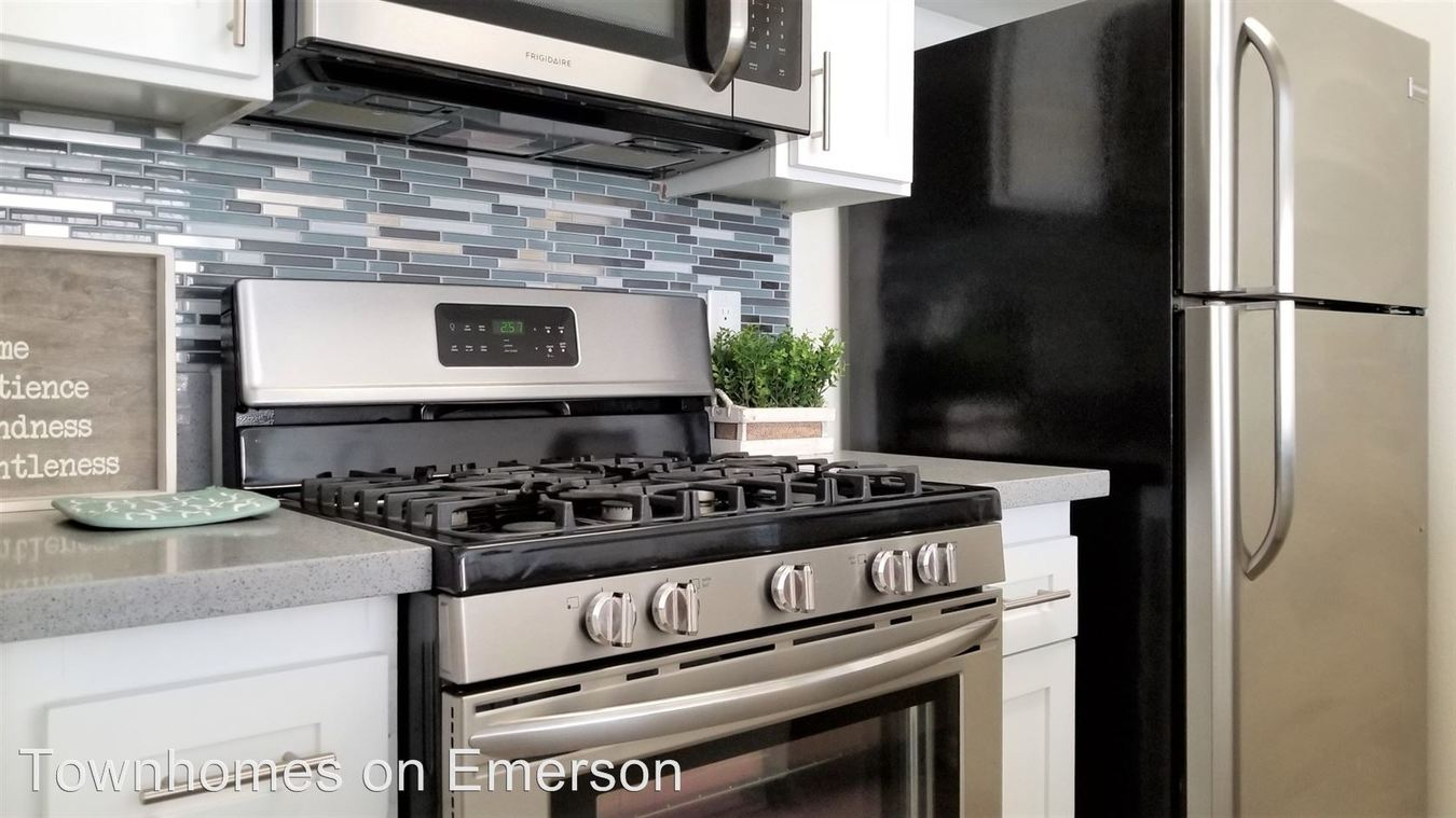 Studio 1 Bathroom Apartment for rent at 8600 Emerson Avenue Leasing Office in Los Angeles, CA