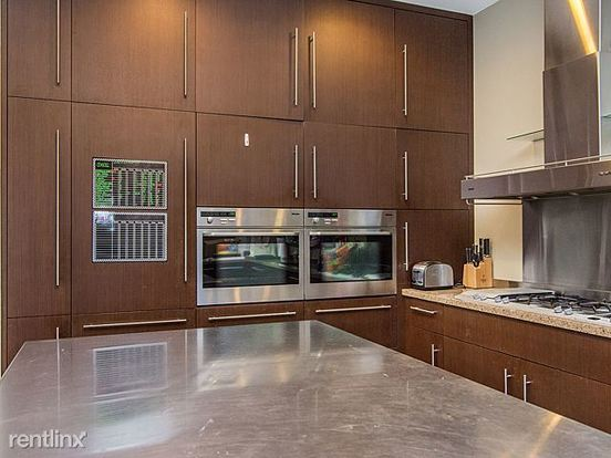 5 Bedrooms 3 Bathrooms House for rent at 2112 W Charleston St in Chicago, IL
