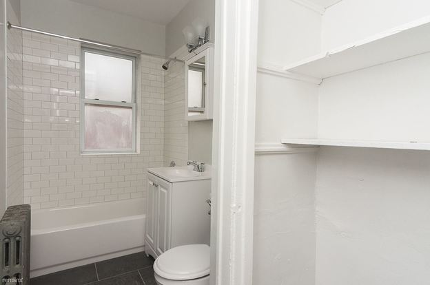 2 Bedrooms 1 Bathroom Apartment for rent at 1950 N Spaulding Ave in Chicago, IL