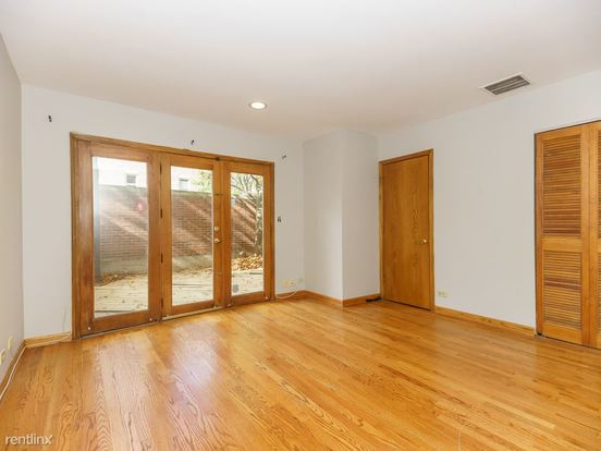 3 Bedrooms 2 Bathrooms House for rent at 2306 N Lakewood Ave in Chicago, IL