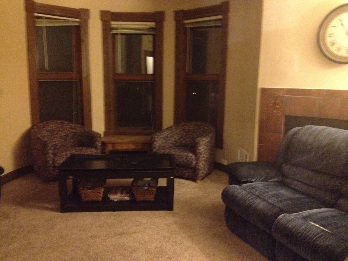 3 Bedrooms 1 Bathroom Apartment for rent at 2597 N. Murray Ave. in Milwaukee, WI