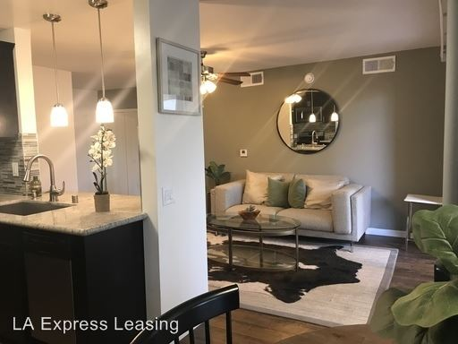 1 Bedroom 1 Bathroom Apartment for rent at 821 N Austin Ave in Inglewood, CA