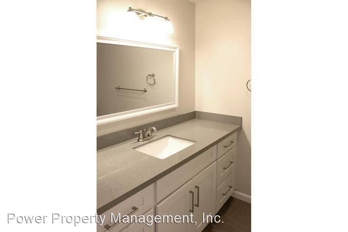 Studio 2 Bathrooms Apartment for rent at 1625 Crenshaw Blvd in Los Angeles, CA