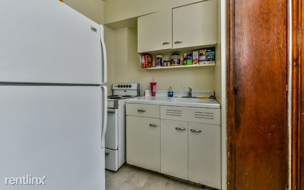 Studio 1 Bathroom Apartment for rent at 5837 Darlington Rd Apt 10 in Pittsburgh, PA