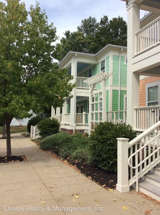 2 Bedrooms 2 Bathrooms Apartment for rent at 421 E. Hillside Drive # 1-4 in Bloomington, IN