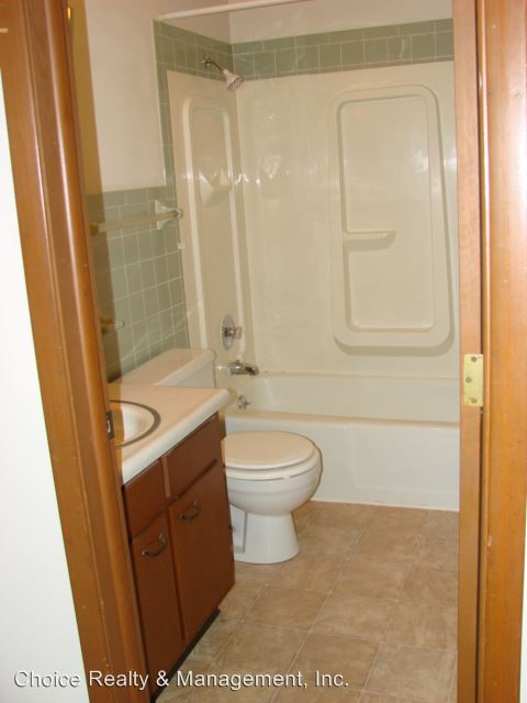 2 Bedrooms 1 Bathroom Apartment for rent at 3900 S. Rendy Lane A-z in Bloomington, IN