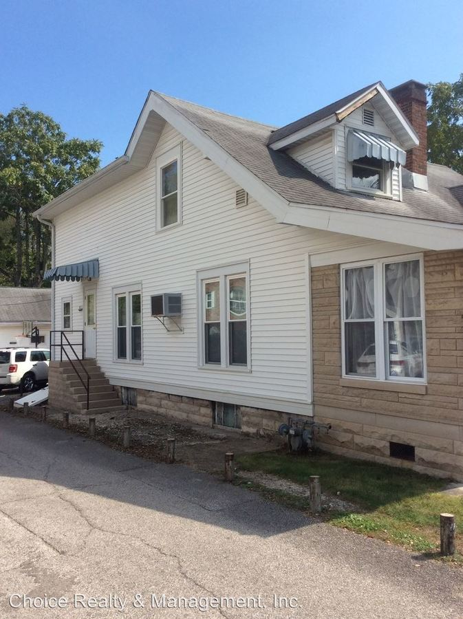 5 Bedrooms 2 Bathrooms Apartment for rent at 515 S. Fess Ave in Bloomington, IN
