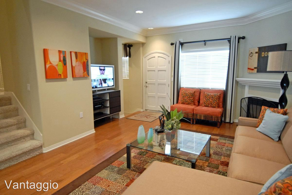 3 Bedrooms 2 Bathrooms Apartment for rent at 9301 Shirley Ave. in Northridge, CA