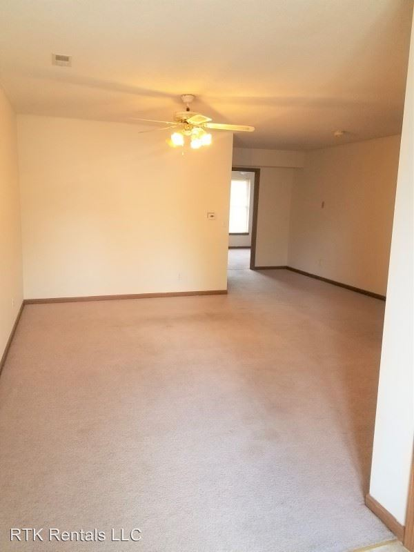 2 Bedrooms 2 Bathrooms Apartment for rent at 1602 Paris Rd. in Columbia, MO