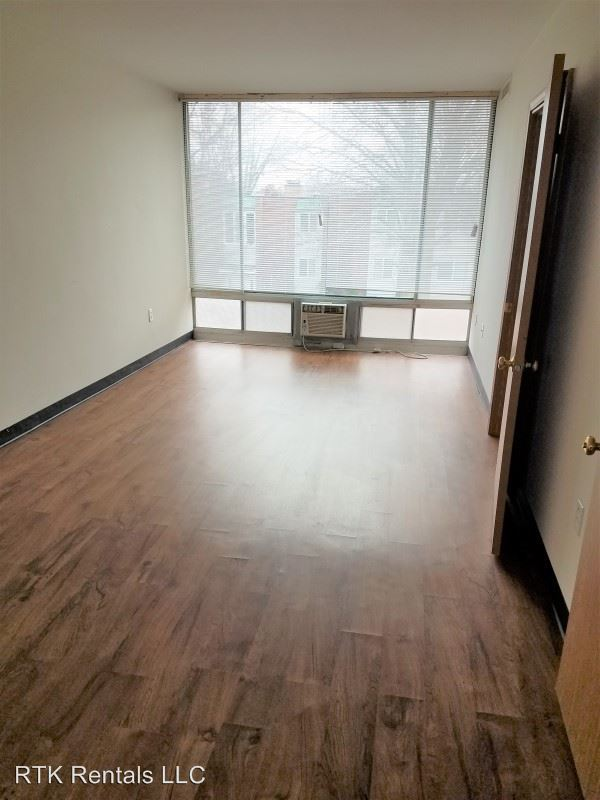 2 Bedrooms 1 Bathroom Apartment for rent at 110 Dorsey St. in Columbia, MO