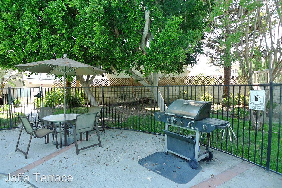 1 Bedroom 1 Bathroom Apartment for rent at 10741 Camarillo St. in Toluca Lake, CA