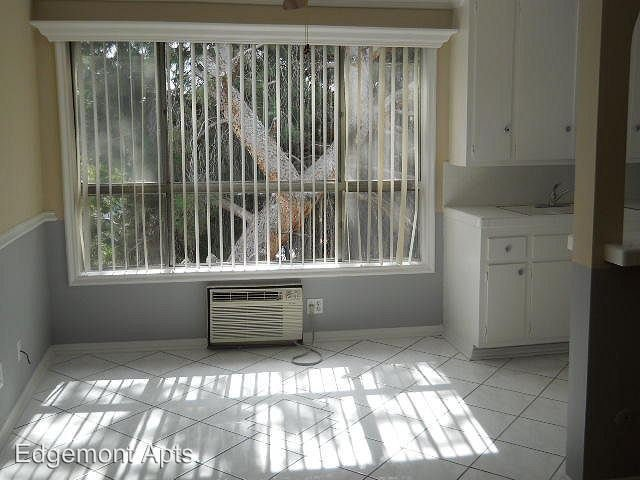 1 Bedroom 1 Bathroom Apartment for rent at 1225 N. Edgemont St. in Hollywood, CA