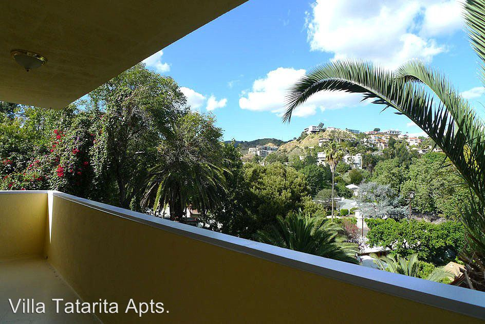 2 Bedrooms 2 Bathrooms Apartment for rent at 2212 N. Cahuenga Blvd. in Hollywood Hills, CA