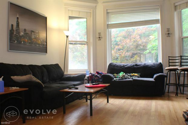 3 Bedrooms 2 Bathrooms Apartment for rent at 3628 N Magnolia Ave in Chicago, IL