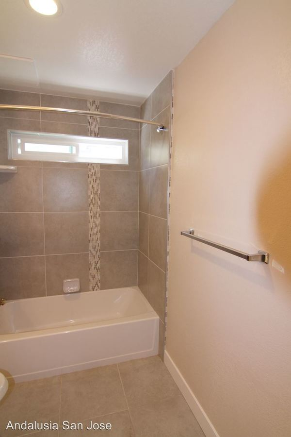 1 Bedroom 1 Bathroom Apartment for rent at 3730 Moorpark Ave in San Jose, CA