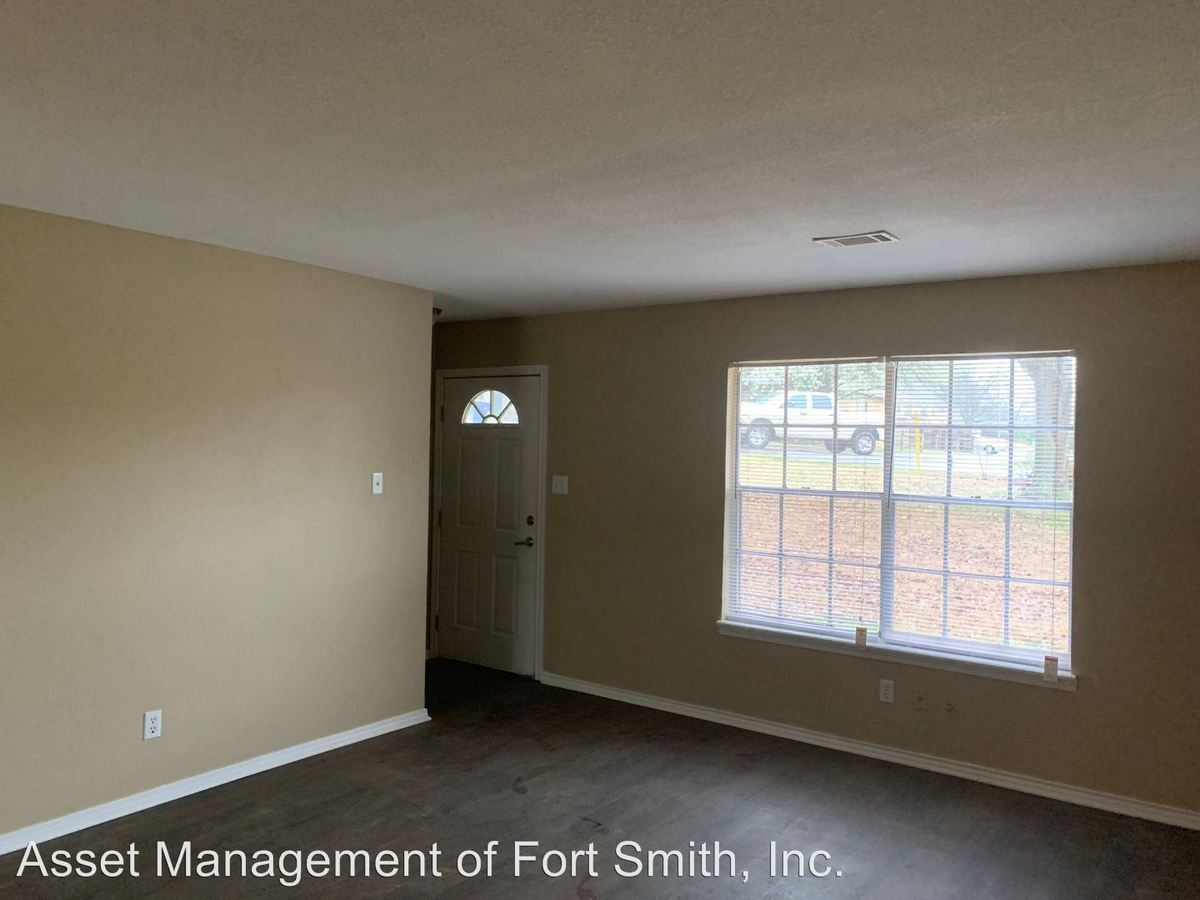 2 Bedrooms 1 Bathroom Apartment for rent at Tancred Street in Fort Smith, AR