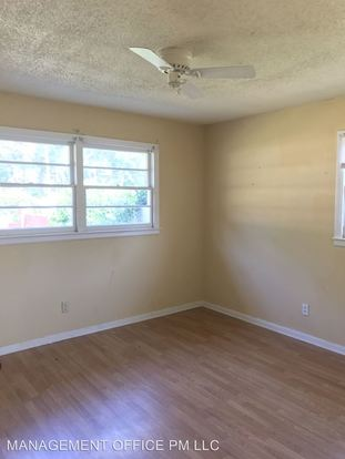 2 Bedrooms 1 Bathroom Apartment for rent at 610 W 5th in Gastonia, NC