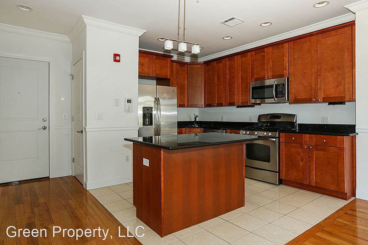 2 Bedrooms 2 Bathrooms Apartment for rent at 85 Maple St in Weehawken, NJ