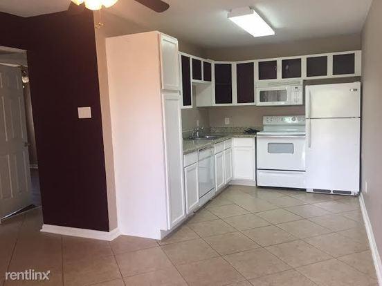 1 Bedroom 1 Bathroom Apartment for rent at Block 12 Apartments in Bryan, TX