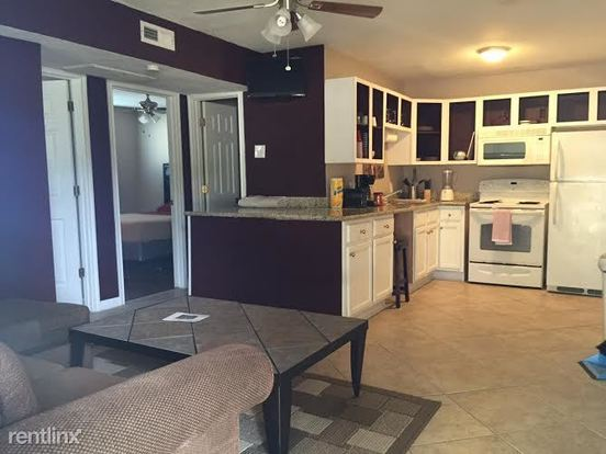 2 Bedrooms 1 Bathroom Apartment for rent at Block 12 Apartments in Bryan, TX