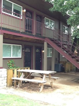 4 Bedrooms 2 Bathrooms Apartment for rent at Block 12 Apartments in Bryan, TX