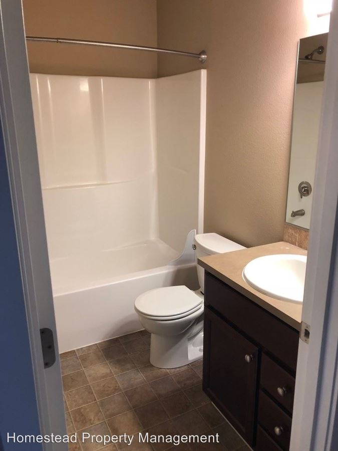 5 Bedrooms 3 Bathrooms Apartment for rent at 233 Whitesell St #1-15 in Monmouth, OR