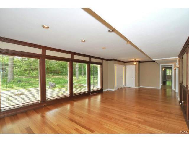 Similar Apartment at 319 South New Ballas Road