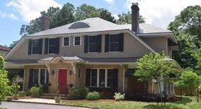 Similar Apartment at 2109 1/2 Fairview Road