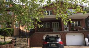 Similar Apartment at 5864 Bartlett St