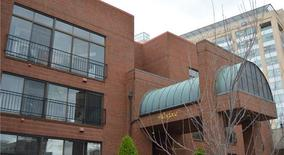 Similar Apartment at 4570 Laclede Ave