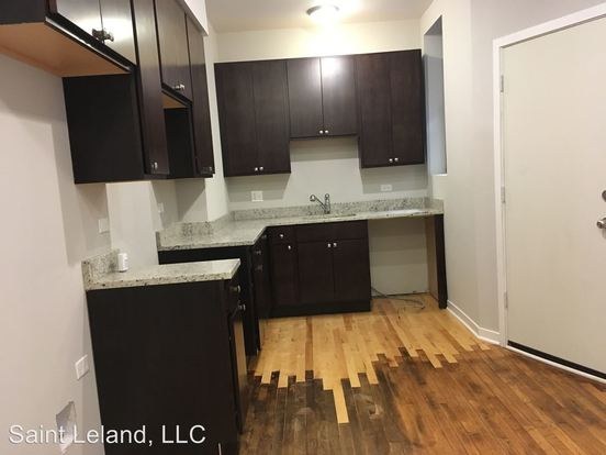 2 Bedrooms 1 Bathroom Apartment for rent at 3501 3503 W Leland Ave in Chicago, IL
