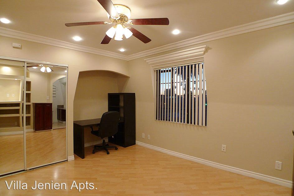 Studio 1 Bathroom Apartment for rent at 1730 N. Gramercy Pl. in Hollywood, CA