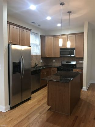 2 Bedrooms 2 Bathrooms Apartment for rent at 1039 W Newport Ave in Chicago, IL