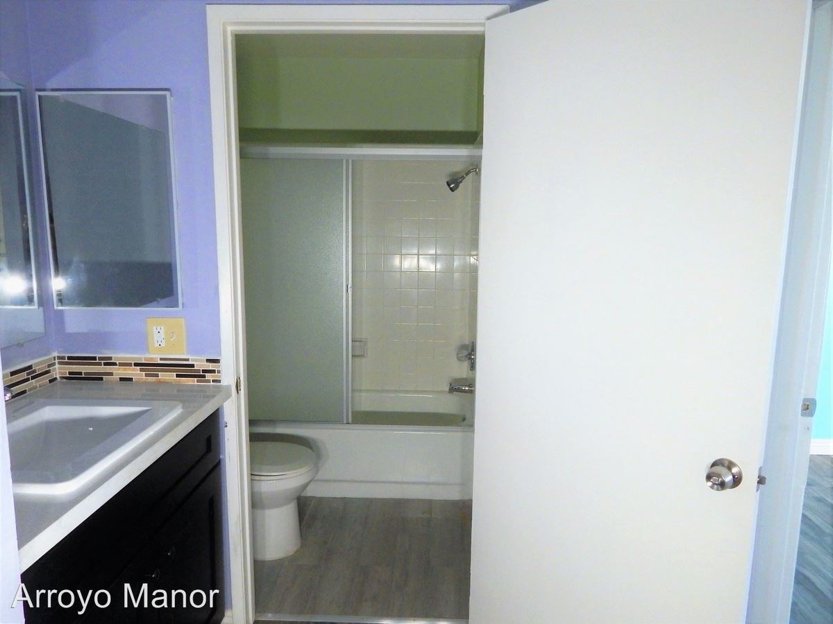 Studio 1 Bathroom Apartment for rent at 4571 N. Figueroa St. in Los Angeles, CA