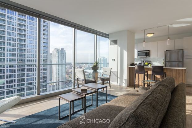 2 Bedrooms 2 Bathrooms House for rent at 343 W Wolf Point Plz in Chicago, IL