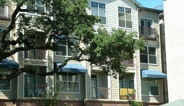 Similar Apartment at 1007 South Congress