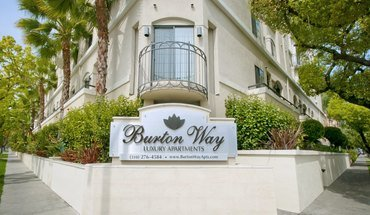 Burton Way Apartment for rent in Los Angeles, CA