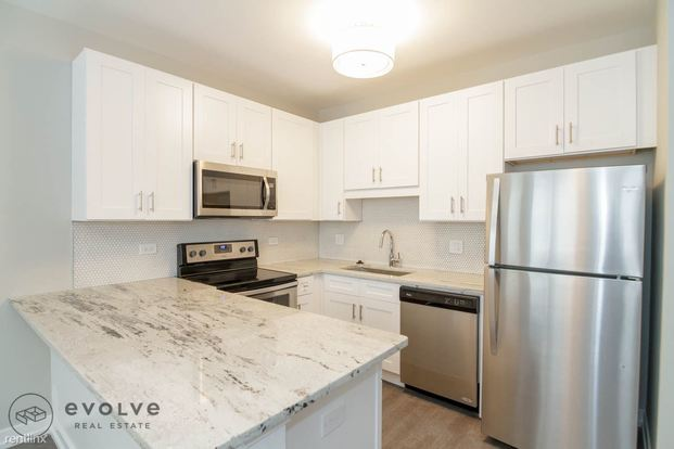 2 Bedrooms 2 Bathrooms Apartment for rent at 1600 W Hollywood Ave in Chicago, IL