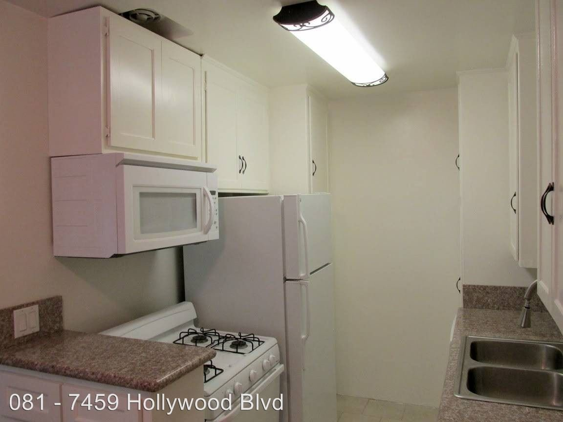 1 Bedroom 1 Bathroom Apartment for rent at 7459 Hollywood Blvd. in Los Angeles, CA