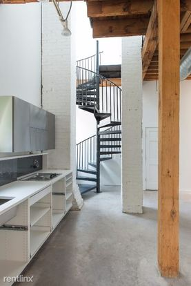 3 Bedrooms 3 Bathrooms House for rent at 2414 W Cuyler Ave in Chicago, IL